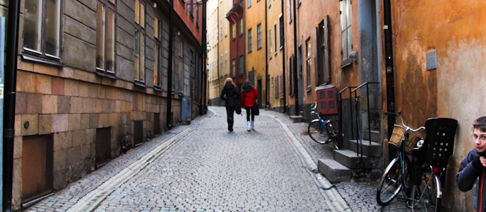 Stockholm's Old Town, Gamla Stan thumbnail I @SatuVW I Destination Unknown